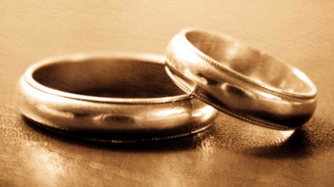 Identifying Marriage Love Relationship Fades Away